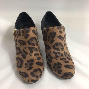 Dexflex leopard booties size 7 super cute!!